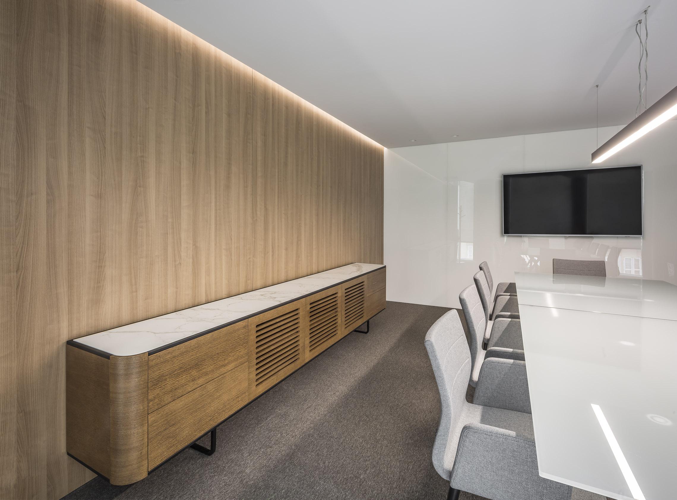 Interiorismo oficina Valencia · Adara Momocca