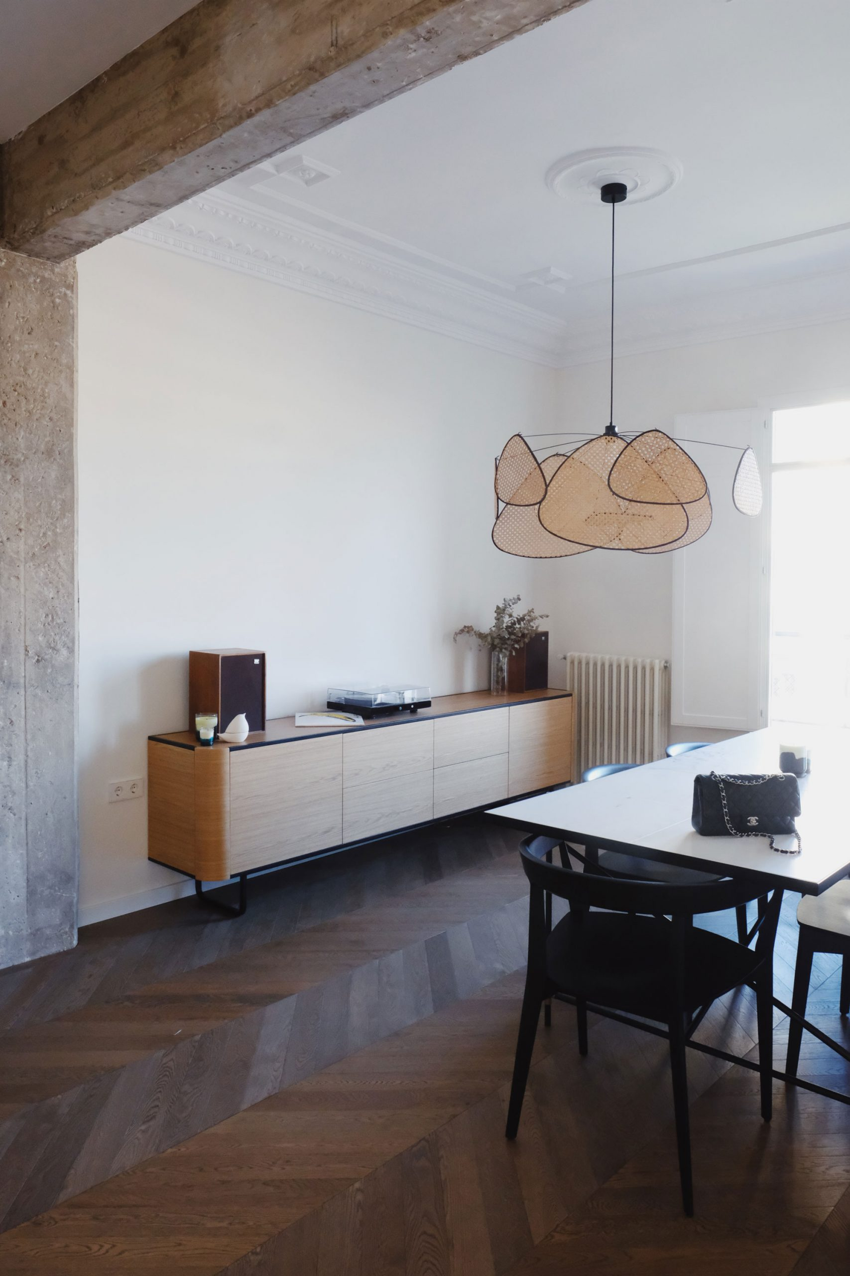 Adara by Momocca, design intérieur de style Bauhaus