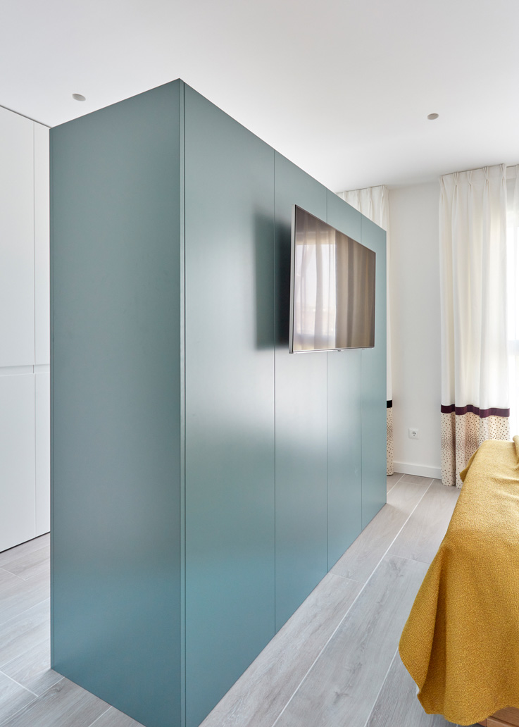 Room divider by Deleite Design Momocca